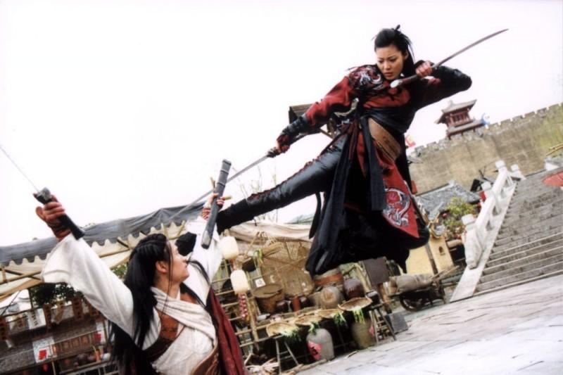 Yoon So-yi e Lee Ki-yong in una scena del film Il potere della spada