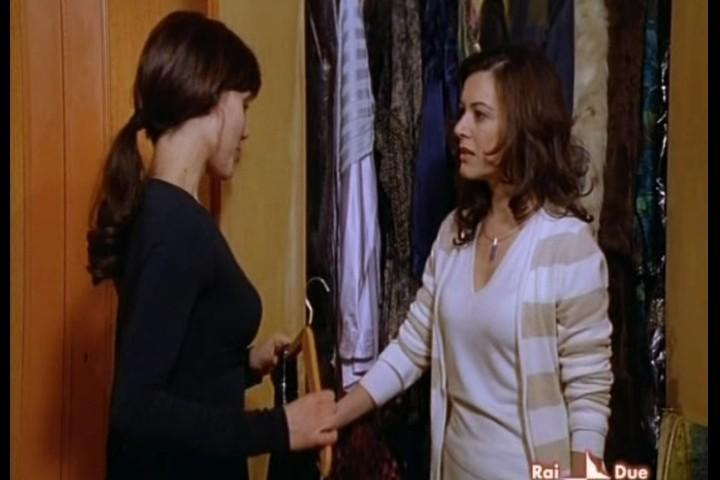 Irma Ciaramella e Gabriella Pession nella serie televisiva Il Capitano