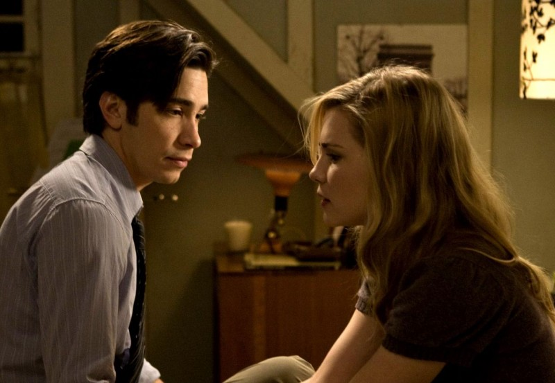 Justin Long e Alison Lohman in una scena del film horror Drag Me to Hell