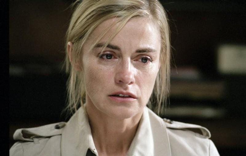 Anne Consigny interpreta Claire Collier nel film Alibi e sospetti