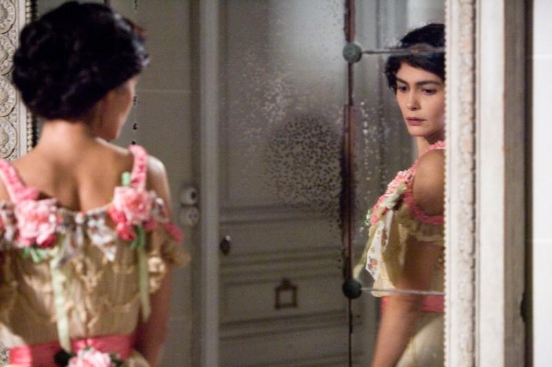 Audrey Tautou è la stilista Gabrielle 'Coco' Chanel nel film Coco avant Chanel - L'amore prima del mito