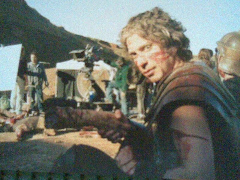 Germano Di Renzo sul set del film L'esorcista: la genesi, nel quale ha interpretato un centurione romano