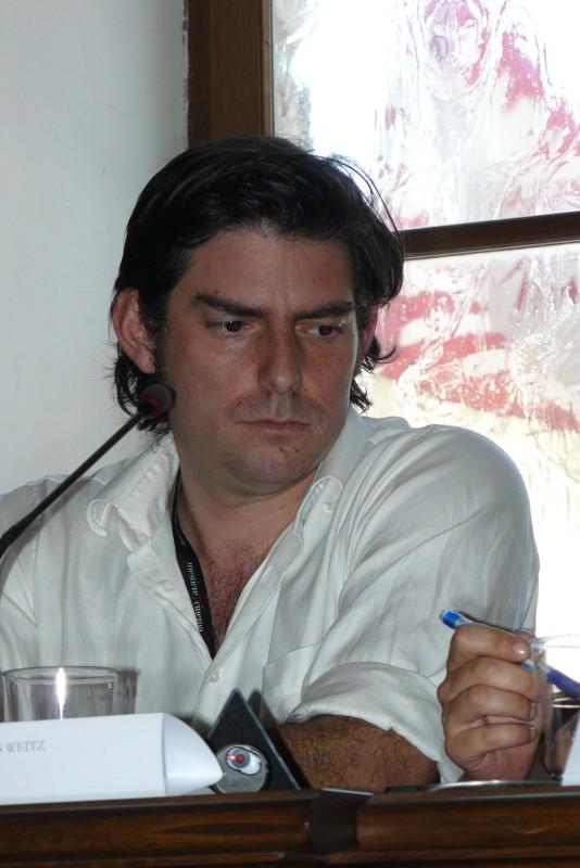 Il regista Chris Weitz durante un incontro con la stampa a Montepulciano, prima delle riprese di New Moon.