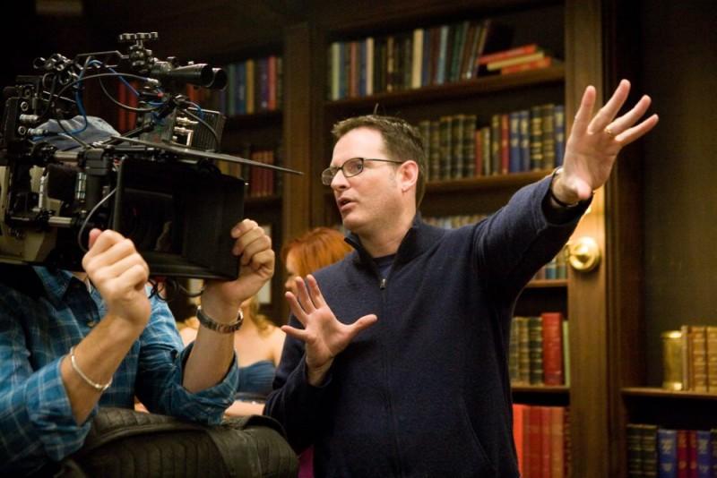 Il regista Mark Waters sul set del film La rivolta delle ex