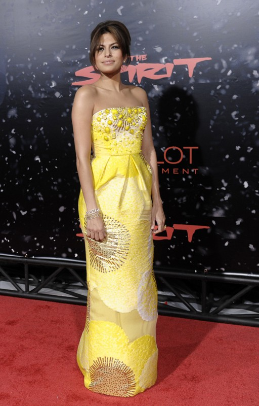 L'attrice Eva Mendes alla premiere del film 'The Spirit' a Los Angeles