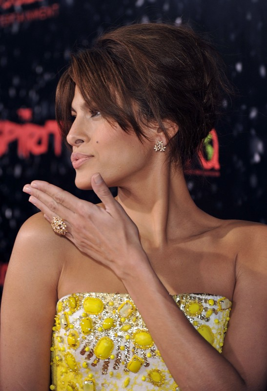 La splendida Eva Mendes alla premiere del film 'The Spirit' a Los Angeles