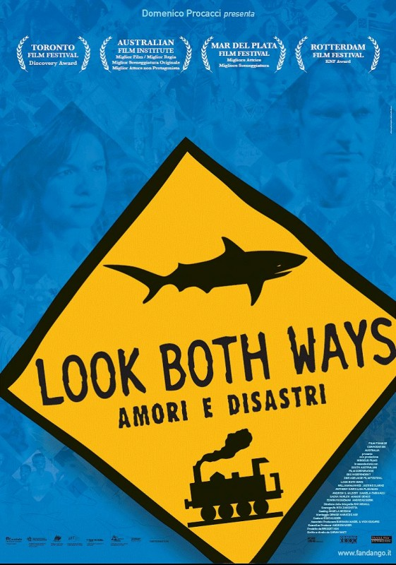 La locandina italiana di Look Both Ways - Amori e Disastri
