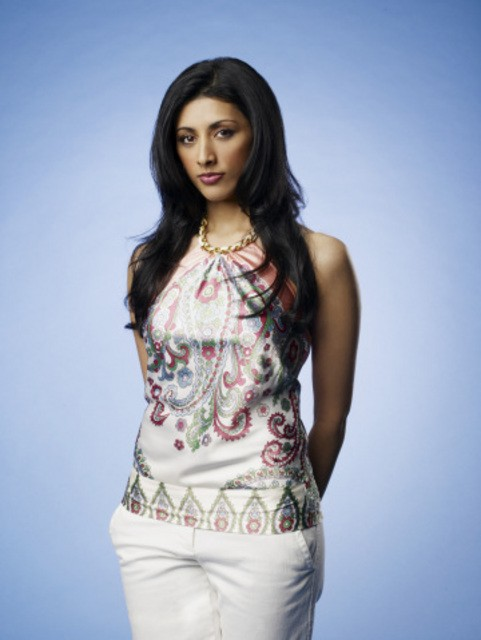 Reshma Shetty in una foto promozionale della serie Royal Pains
