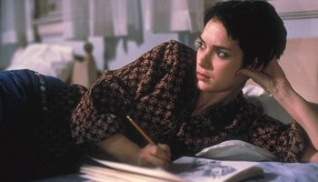 Winona Ryder in una sequenza del film Ragazze Interrotte
