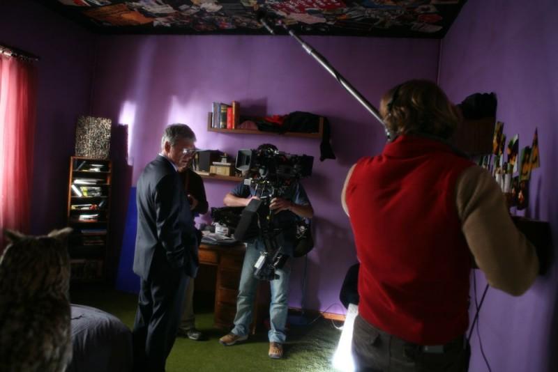 Fabrizio Bentivoglio sul set della miniserie Nel nome del male prodotta da Sky Cinema