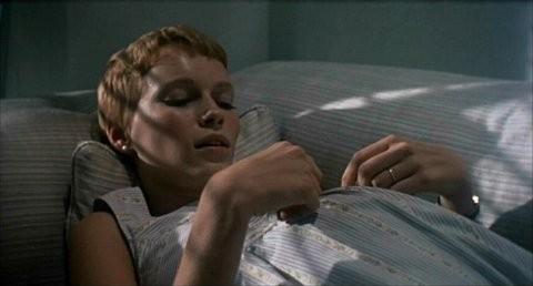 Mia Farrow incinta nel film Rosemary's baby - Nastro rosso a New York