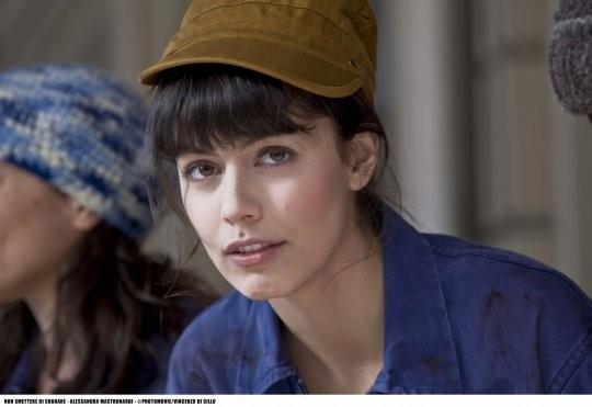 Un primo piano di Alessandra Mastronardi nel film tv Non smettere di sognare