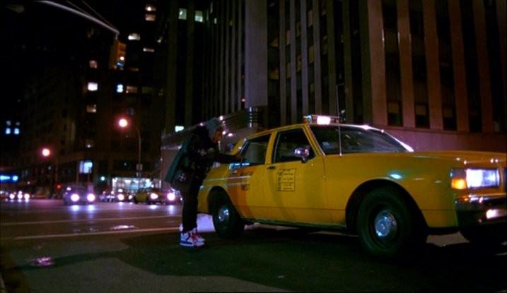 Una scena del film Taxisti di notte (1991)