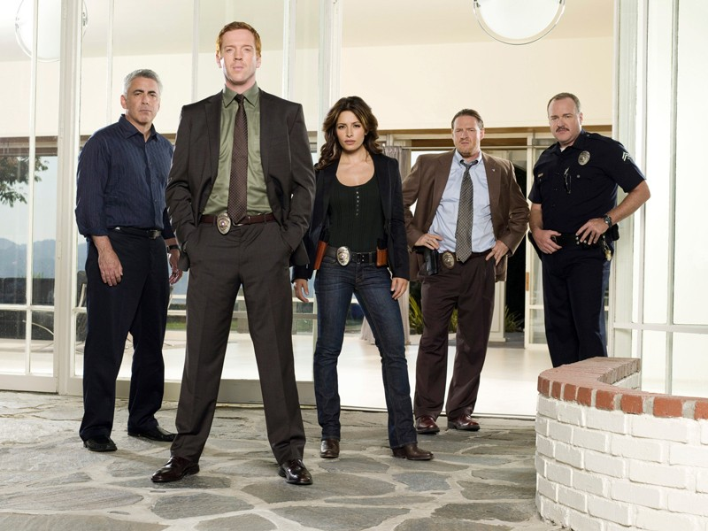 Adam Arkin, Damian Lewis, Sarah Shahi, Donal Logue e Brent Sexton in una foto per la seconda stagione di 'Life'