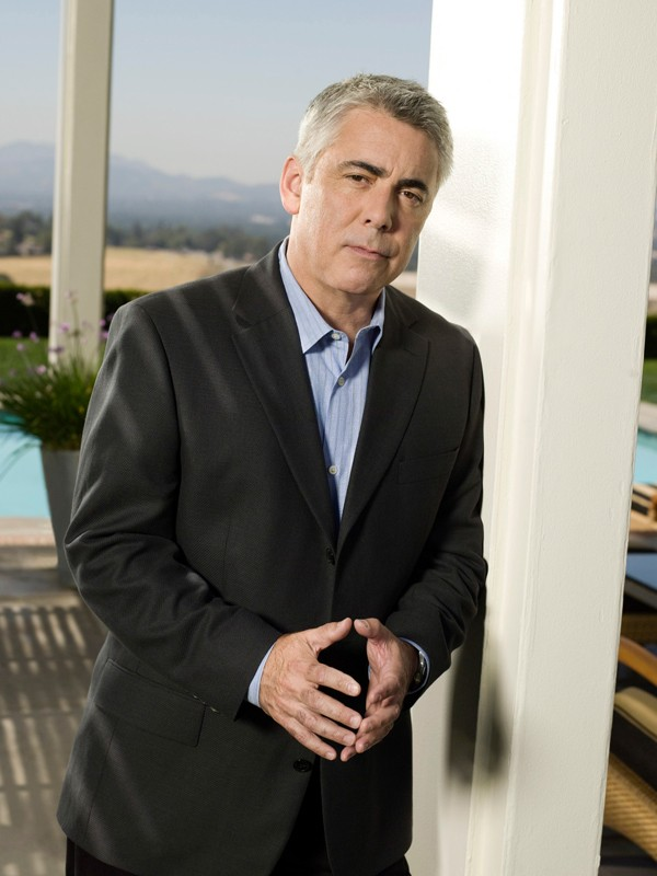 Adam Arkin è Ted Earley in una foto promo per la seconda stagione di 'Life'