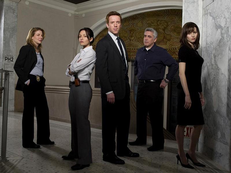 Foto promo del cast con Melissa Sagemiller per la prima stagione di 'Life'