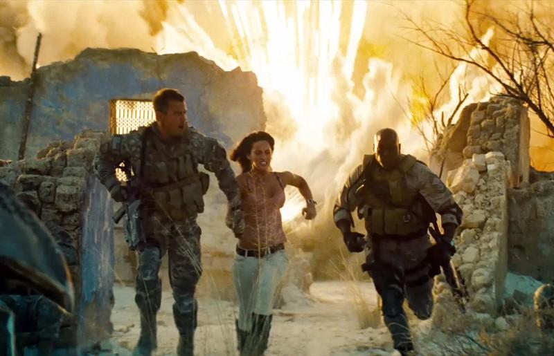 Josh Duhamel, Megan Fox e Tyrese Gibson in una scena tratta dal film Transformers - La vendetta del caduto