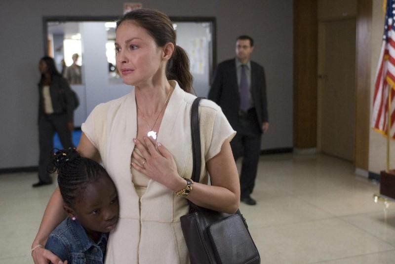 Ashley Judd in un'immagine del film Crossing Over