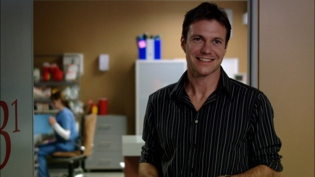 Chris Vance in una scena dell'episodio A Beautiful Delusion di Mental
