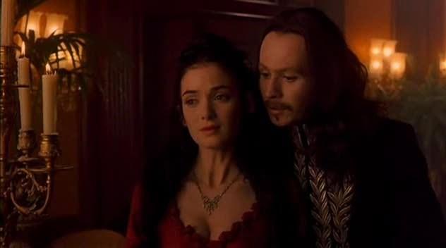 Gary Oldman e Winona Ryder in una sequenza di Dracula di Bram Stoker (1992)