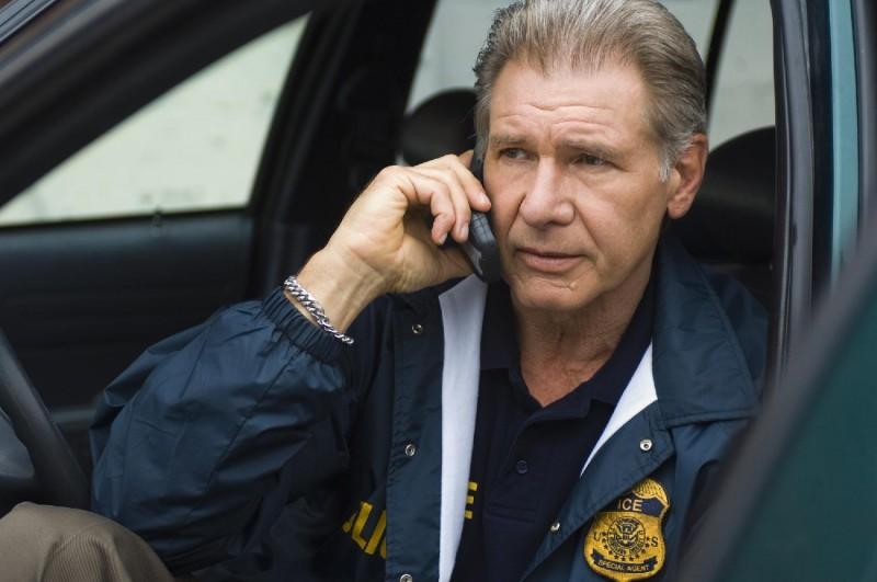 Harrison Ford è Max Brogan nel film Crossing Over
