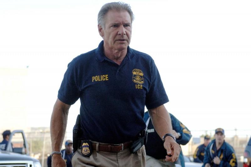 Harrison Ford interpreta Max Brogan nel film Crossing Over