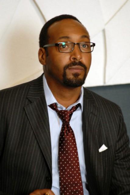 Jesse L. Martin è Philip Maidstone nella serie TV The Philanthropist