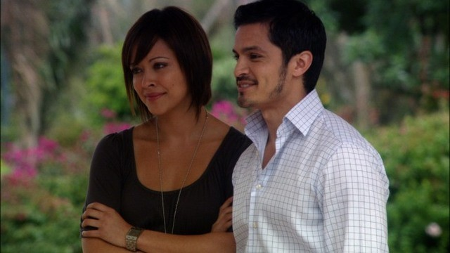 Nicholas Gonzalez e Marisa Ramirez nell'episodio A Beautiful Delusion di Mental