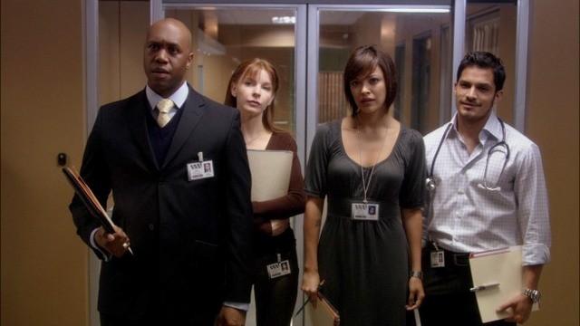 Nicholas Gonzalez, Marisa Ramirez, Jacqueline McKenzie e Derek Webster nell'episodio A Beautiful Delusion di Mental