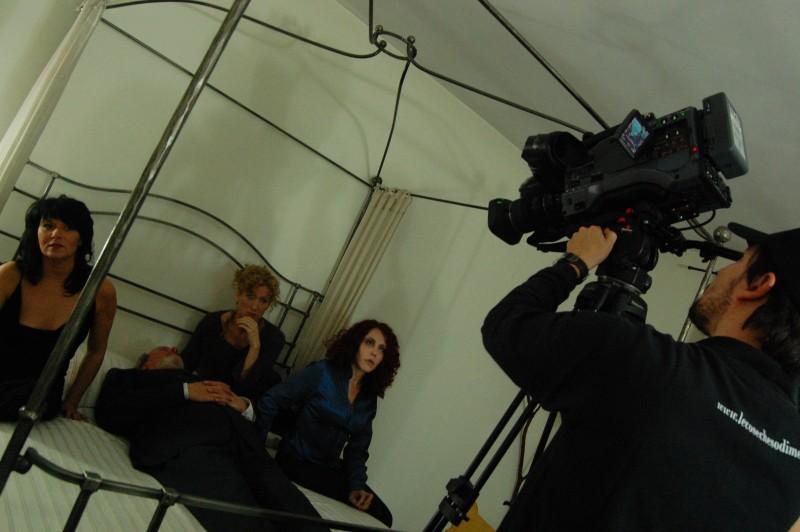 Barbara Esposito (al centro) sul set.
