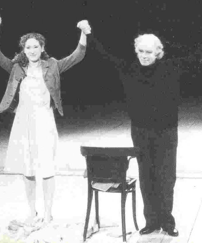Barbara Esposito in scena con Elvira o la passione teatrale