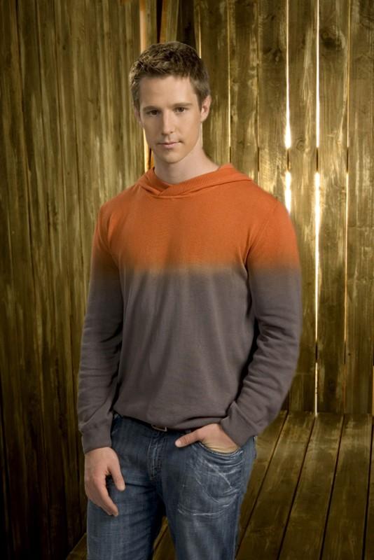 Jason Dohring è Logan Echolls nella 2 season di 'Veronica Mars'