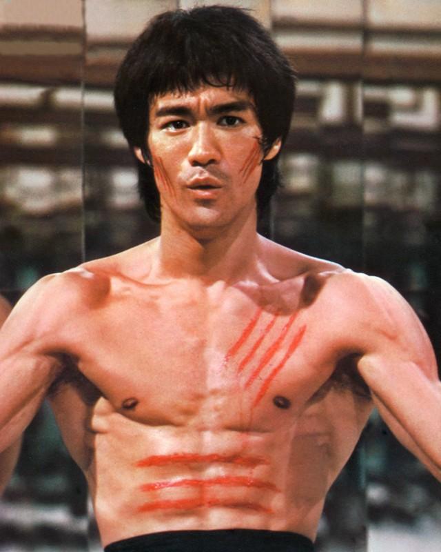 Una foto promo di Bruce Lee da giovane