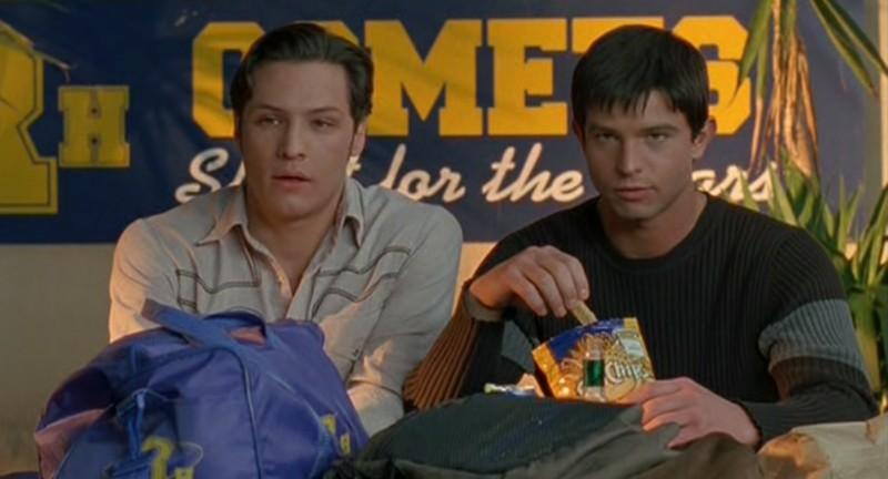 Jason Behr e Nick Wechsler nell'episodio 'Appuntamento al buio' nella serie Roswell