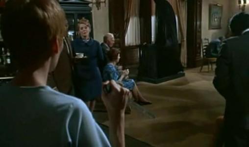 Mia Farrow assieme a Ruth Gordon in una scena del film Rosemary's baby - Nastro rosso a New York