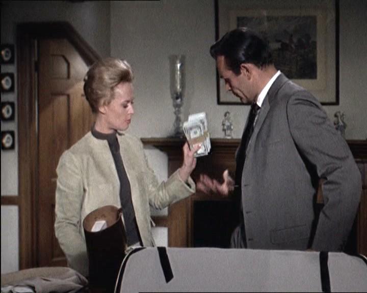 Tippi Hedren con Sean Connery nel film di Alfred Hitchcock, Marnie