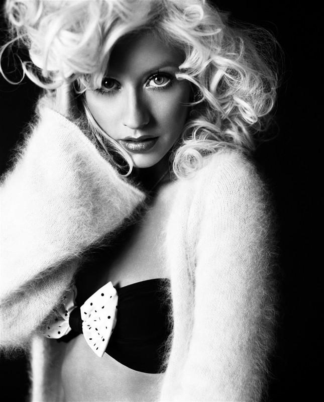 Una foto in bianco e nero per christina aguilera 119719 for Foto alta definizione bianco e nero