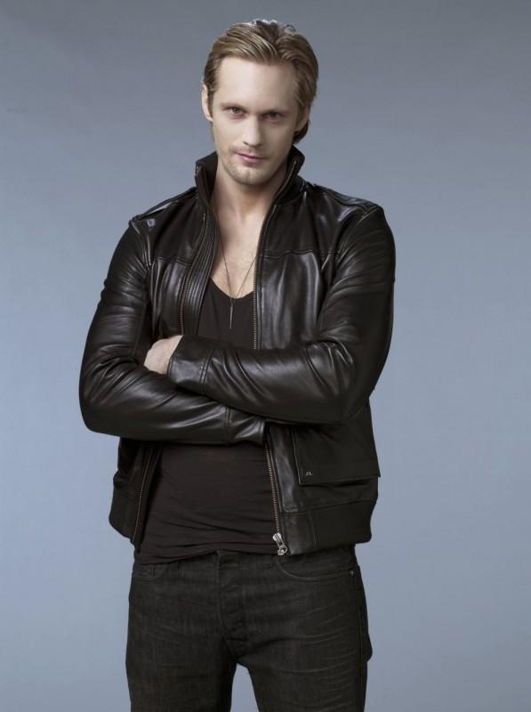 Alexander Skarsgård in una foto promozionale della seconda stagione della serie tv True Blood