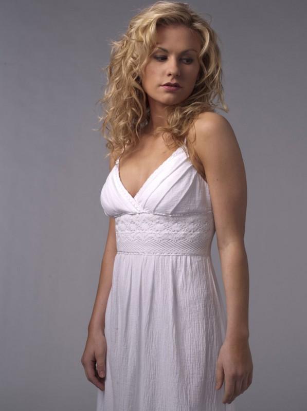 Anna Paquin in una foto promozionale della seconda stagione della serie tv True Blood