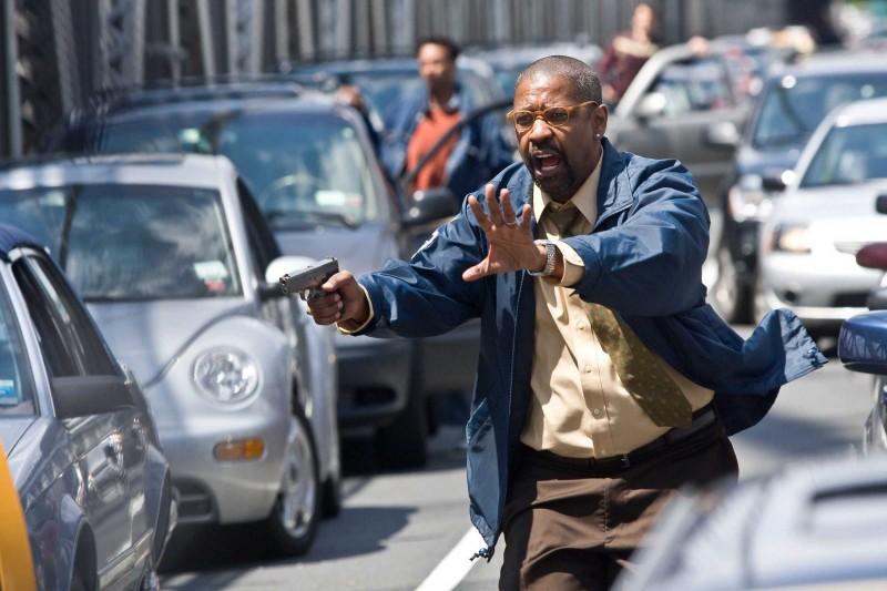 Denzel Washington in una scena del film The Taking of Pelham One Two Three