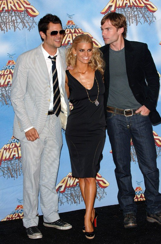 Gli attori del film Hazzard: Johnny Knoxville, Jessica Simpson e Seann William Scott agli MTV Movie Awards 2005