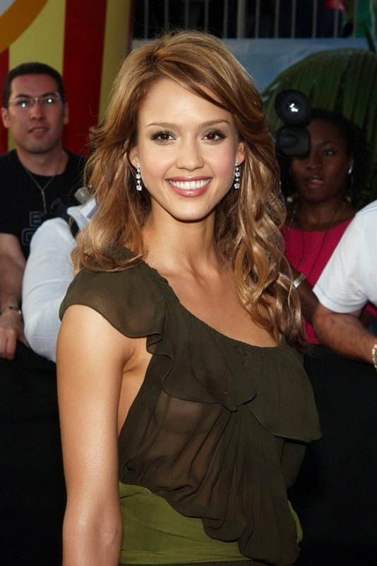 L'attrice Jessica Alba agli MTV Movie Awards 2005