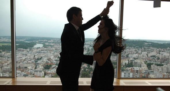 Laurent Lucas e Candice Hugo in un'immagine del film La donna di nessuno