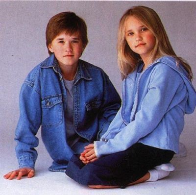 Una foto di Emily Osment insieme a suo fratello Haley Joel