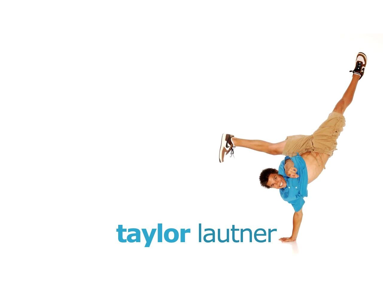 Wallpaper: addominali in vista per Taylor Lautner