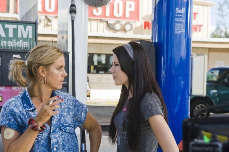 Amanda Crew in una scena del film Sex Movie in 4D