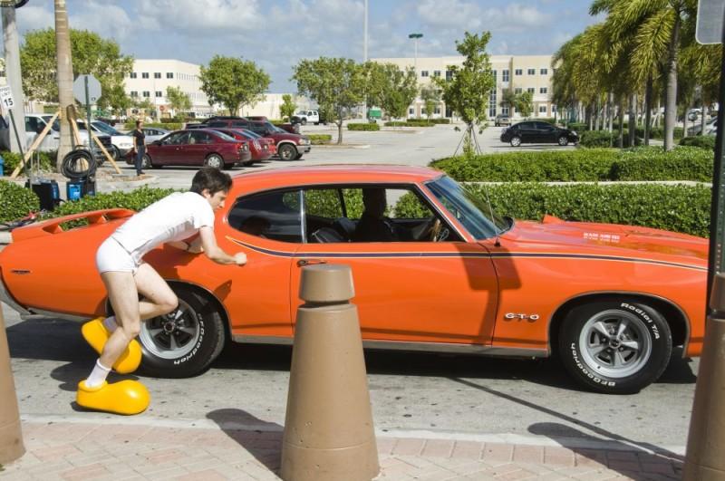 Josh Zuckerman in una divertente immagine del film Sex Movie in 4D