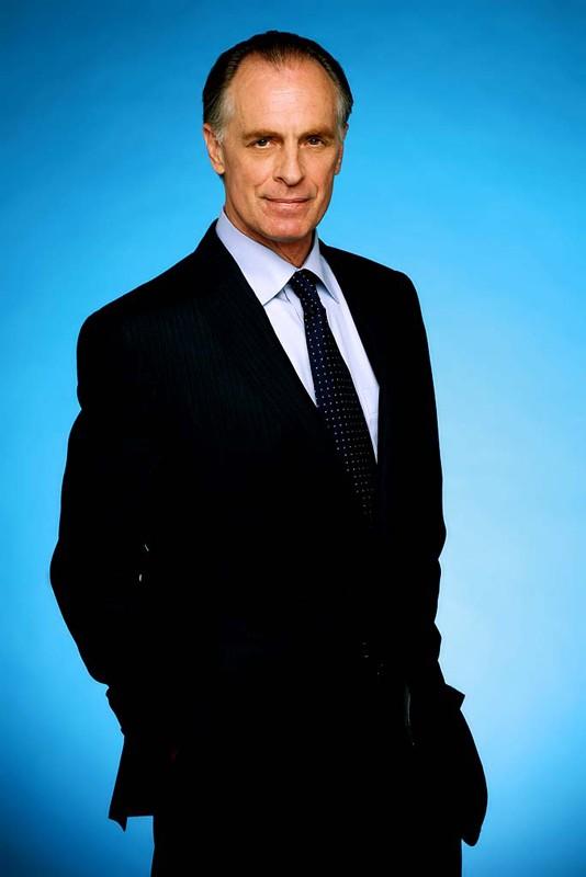 Keith Carradine interpreta l'Agente Speciale Frank Lundy nella seconda stagione di Dexter