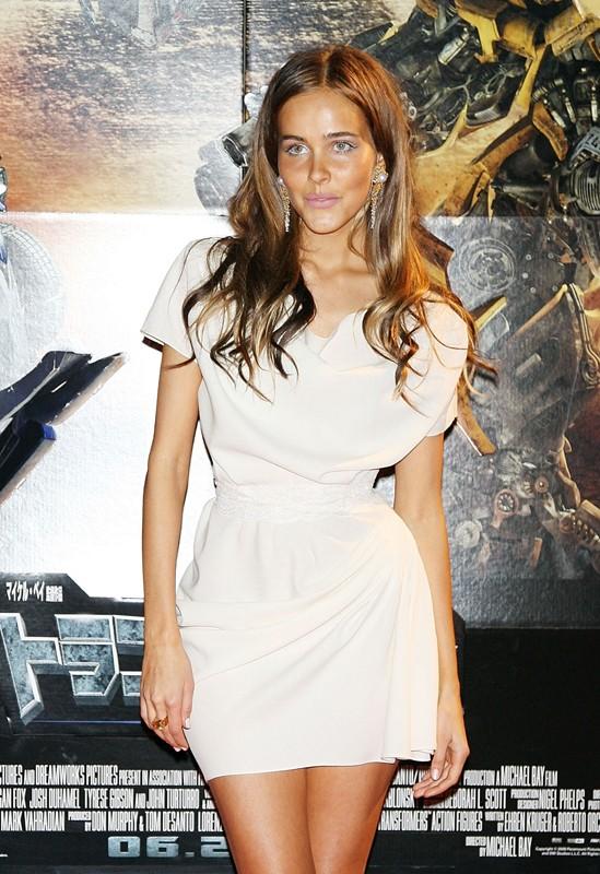 Isabel Lucas alla premiere del film 'Transformers: Revenge of the Fallen', a Tokyo, l'8 Giugno 2009