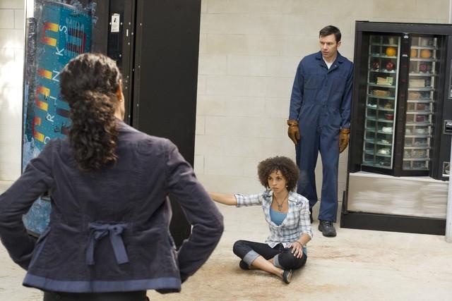 Jada Pinket Smith ed Hannah Hodson nel pilot della serie TV Hawthorne